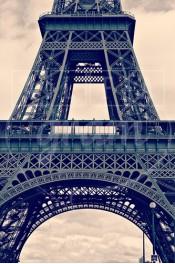 Alphabet photographique. Alfagram, lettre A. Objet déco. Un cadeau photo personnalisé et original. Tour Eiffel Paris