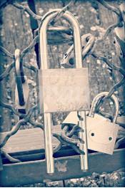 Alphabet photographique. Alfagram, lettre A. Objet déco. Un cadeau photo personnalisé et original. Pont des arts Paris cadenas d'amour
