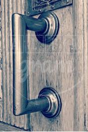 Alphabet photography. Alfagram, Letter art C. Personnalized letter art. Perfect gift using alphabet photos. Old door